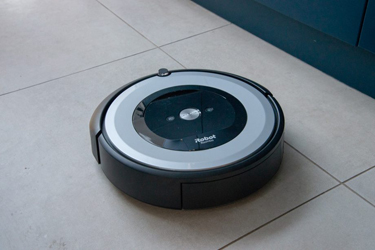 Best Roomba For Small Apartment Worth A Purchase In 2020